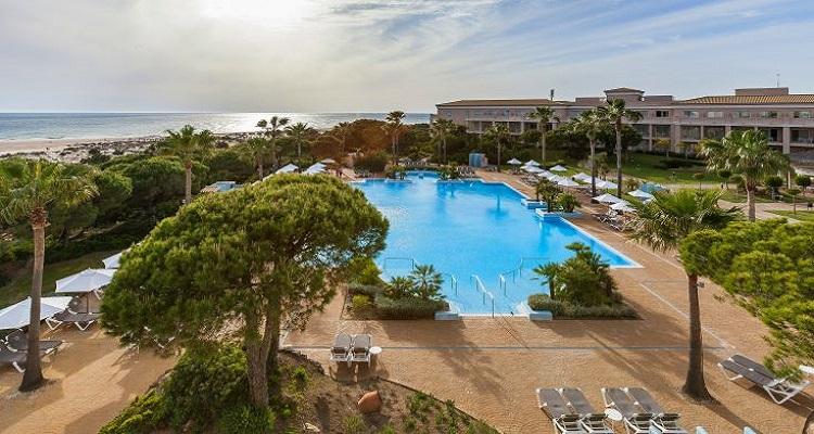 Der Außenbereich des Valentin Hotels in Andalusien
