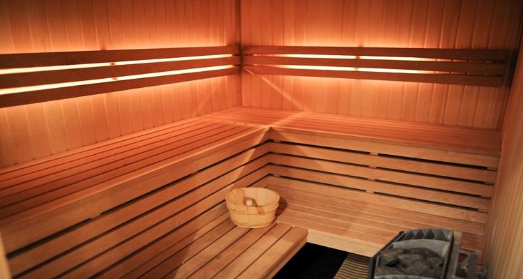 In der Sauna des Radisson Elizabete können Sie mit den anderen Singles entspannen