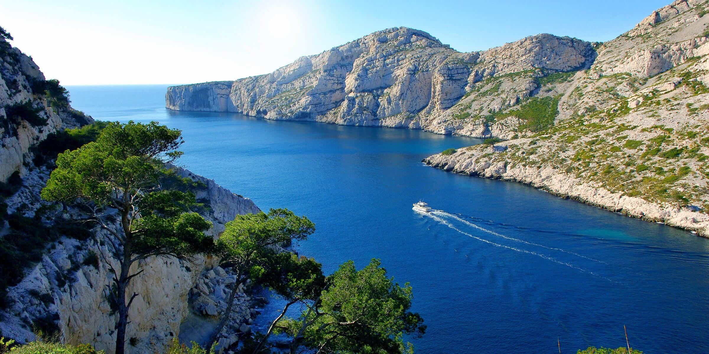 Sie werden auf Ihrer Reise nach Südfrankreich die Calanque bei Marseille anschauen