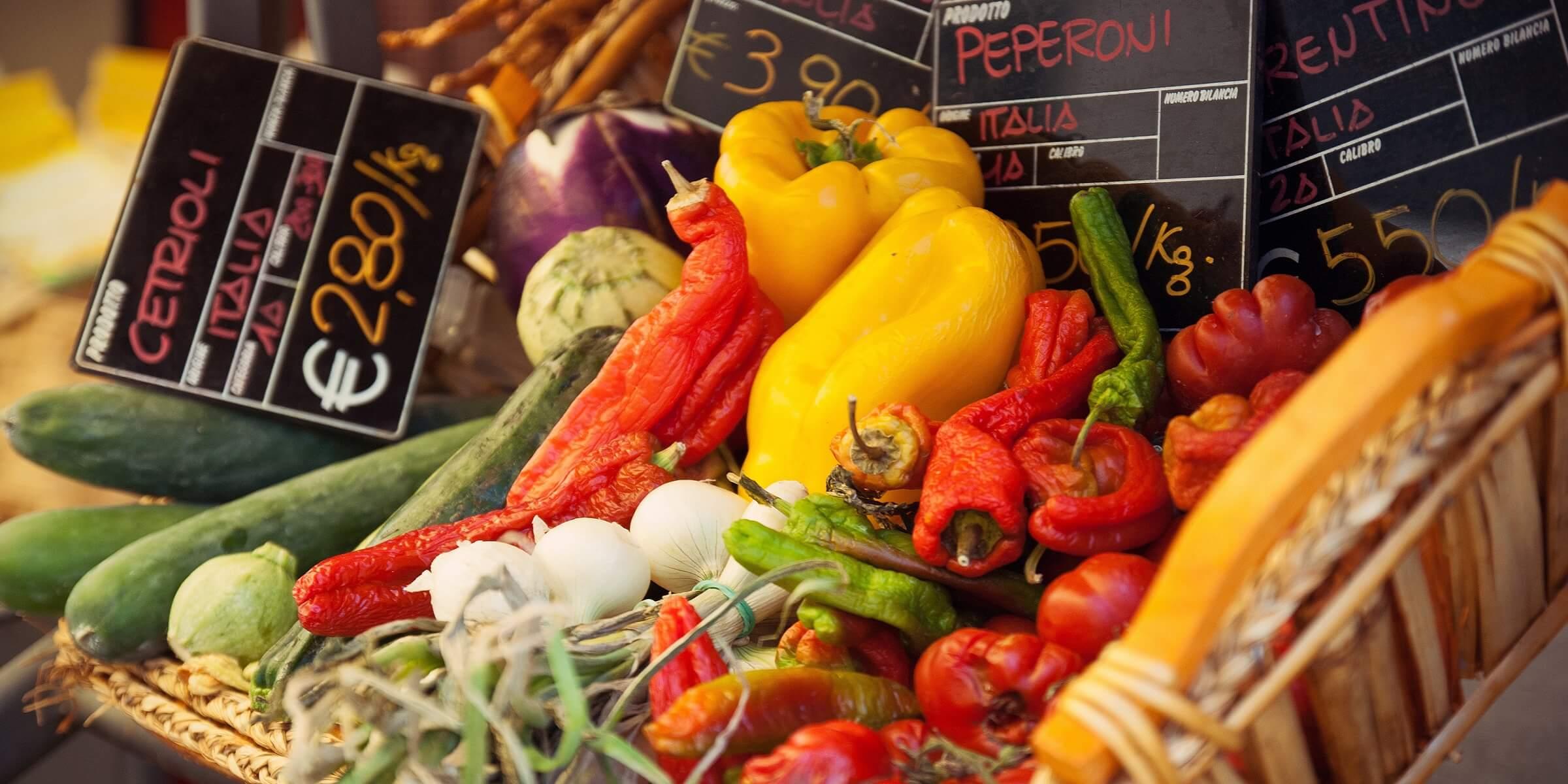 Die Märkte in Sizilien sind wirklich ein Traum - frisches Ost und Gemüse der Saison