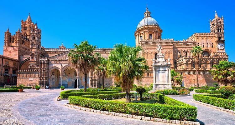 Die Kathedrale von Palermo auf Sizilien