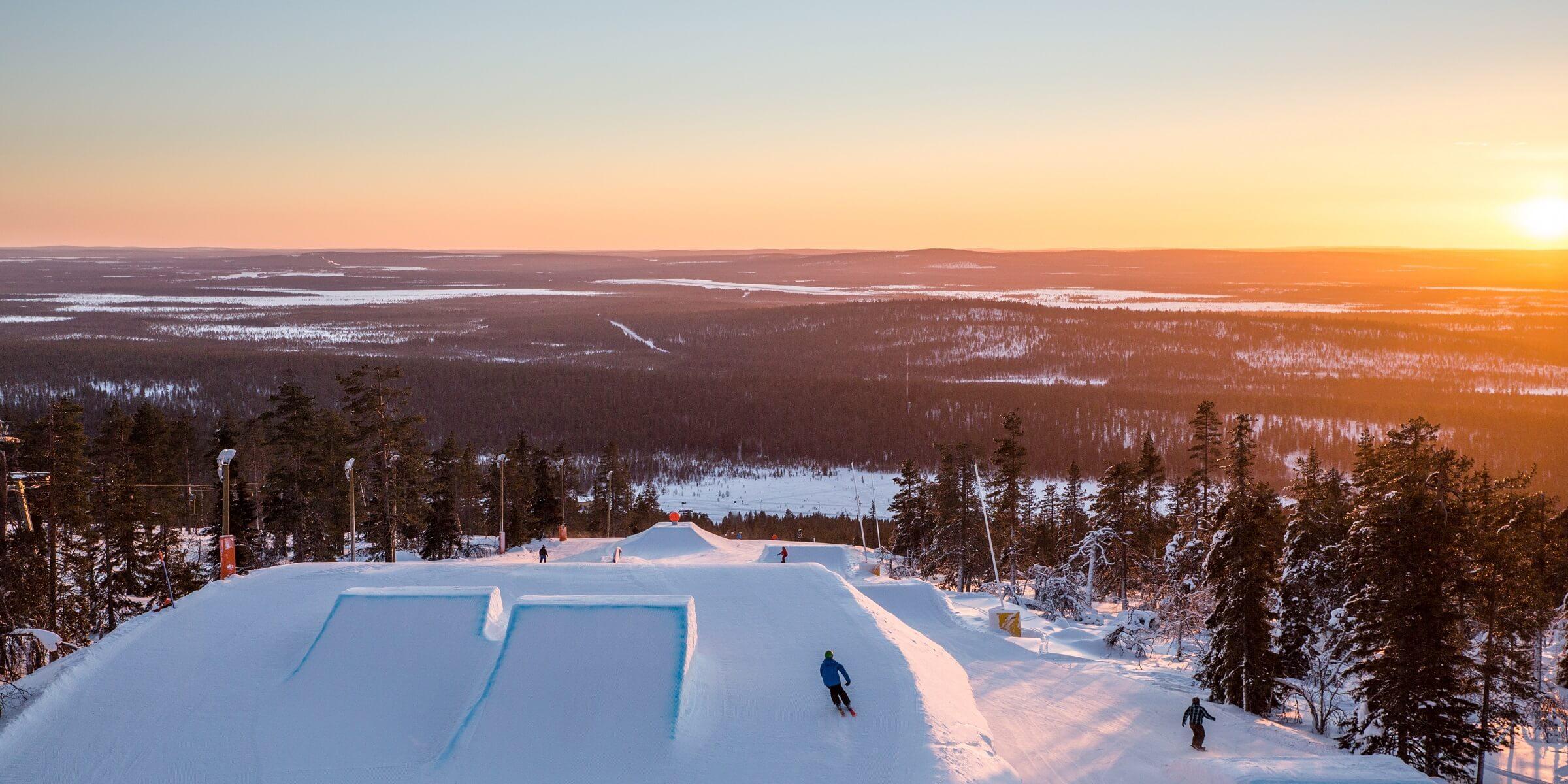 In Lappland gibt es viele Skischanzen bei denen Sie sich ausprobieren können