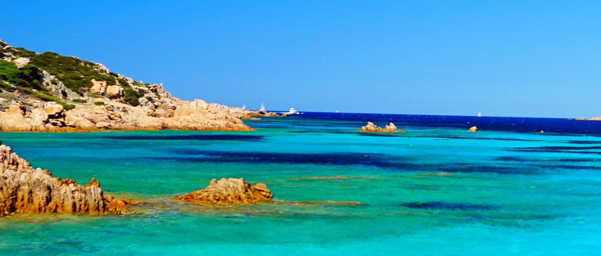 Rund um Sardinien werden Sie ein traumhaftes Meer und einzigartige Strände erleben