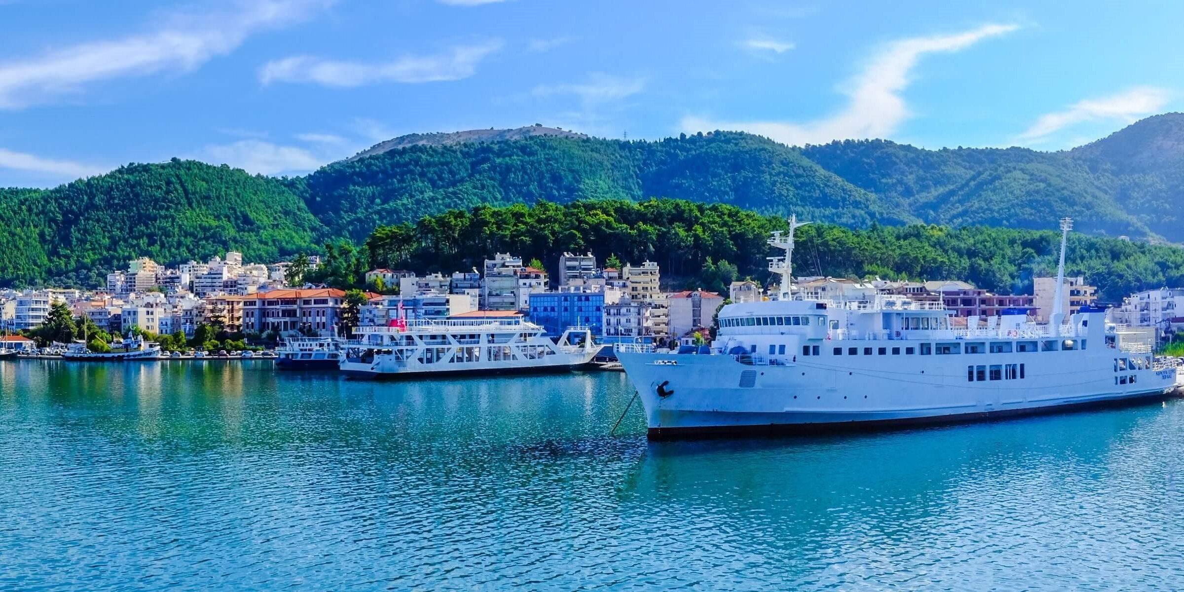 Im Hafen von Zypern legen oft sehr schicke Boote und Yachten an
