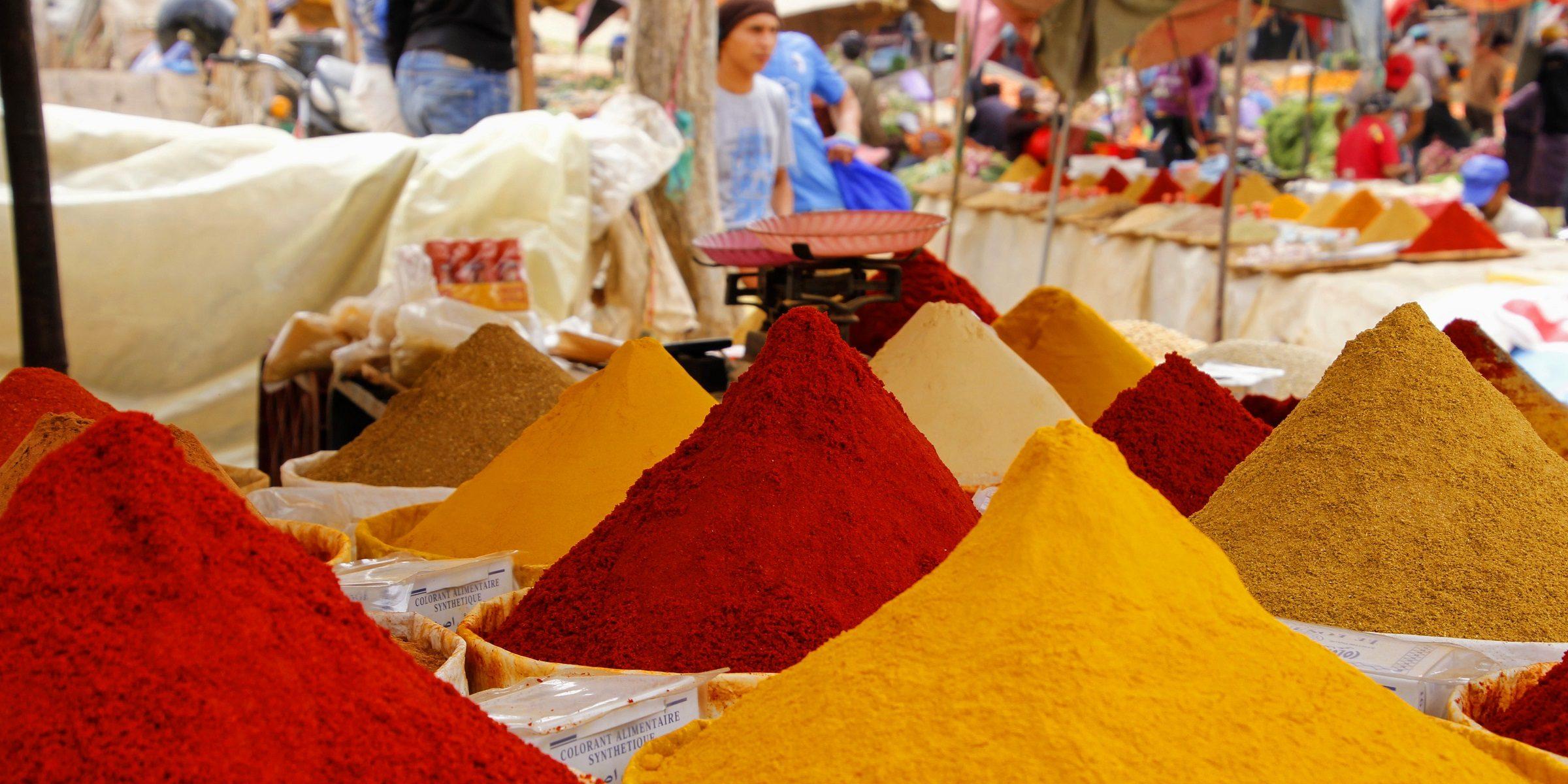 Kaufen Sie sich frische Gewürze vom Markt um auch zu Hause ein Stück Indien zu haben