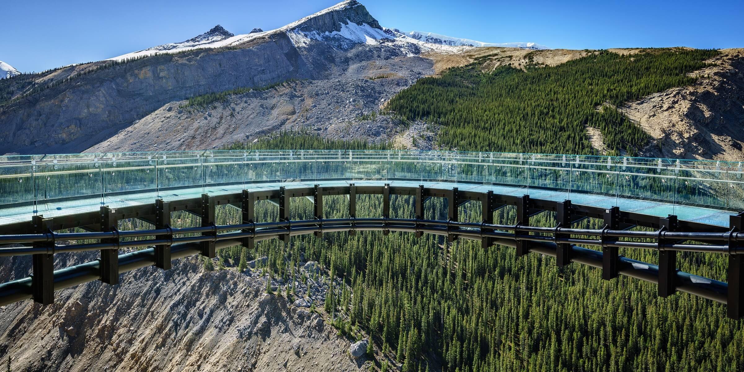 Spannung pur: der gläserne Skywalk in Kanada wird dem ein oder anderen die Nerven rauben