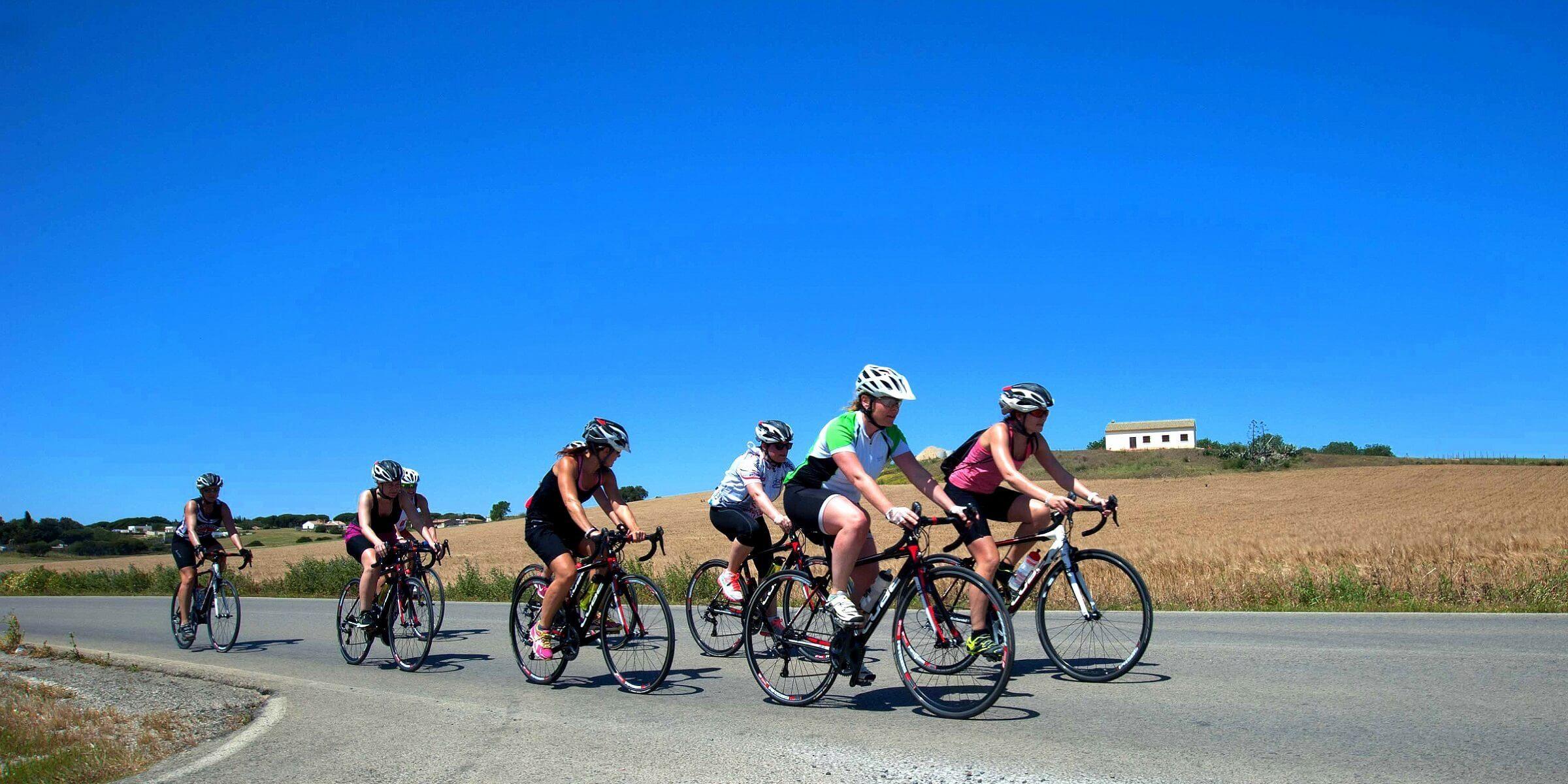 Machen Sie eine Fahrrad-Tour im Women´s-Health-Camp