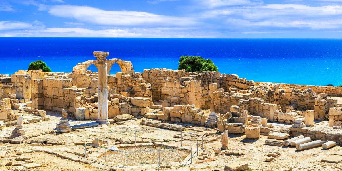 In Paphos auf Zypern kann beeindruckend alte Architektur begutachtet werden