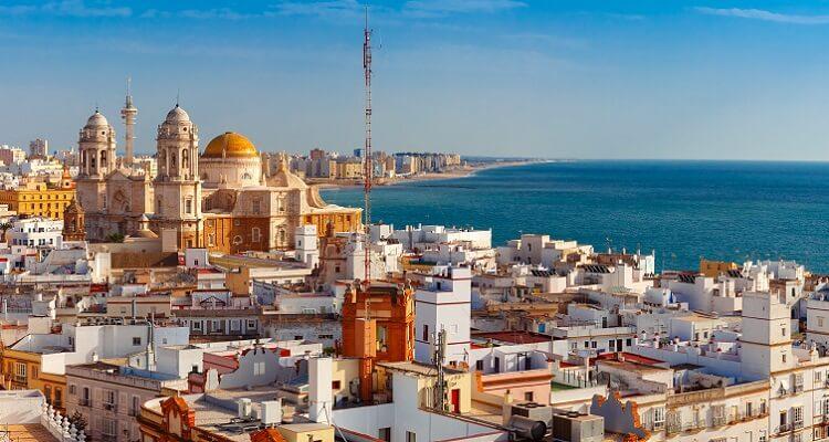 Panorama über Cadiz in Andalusien