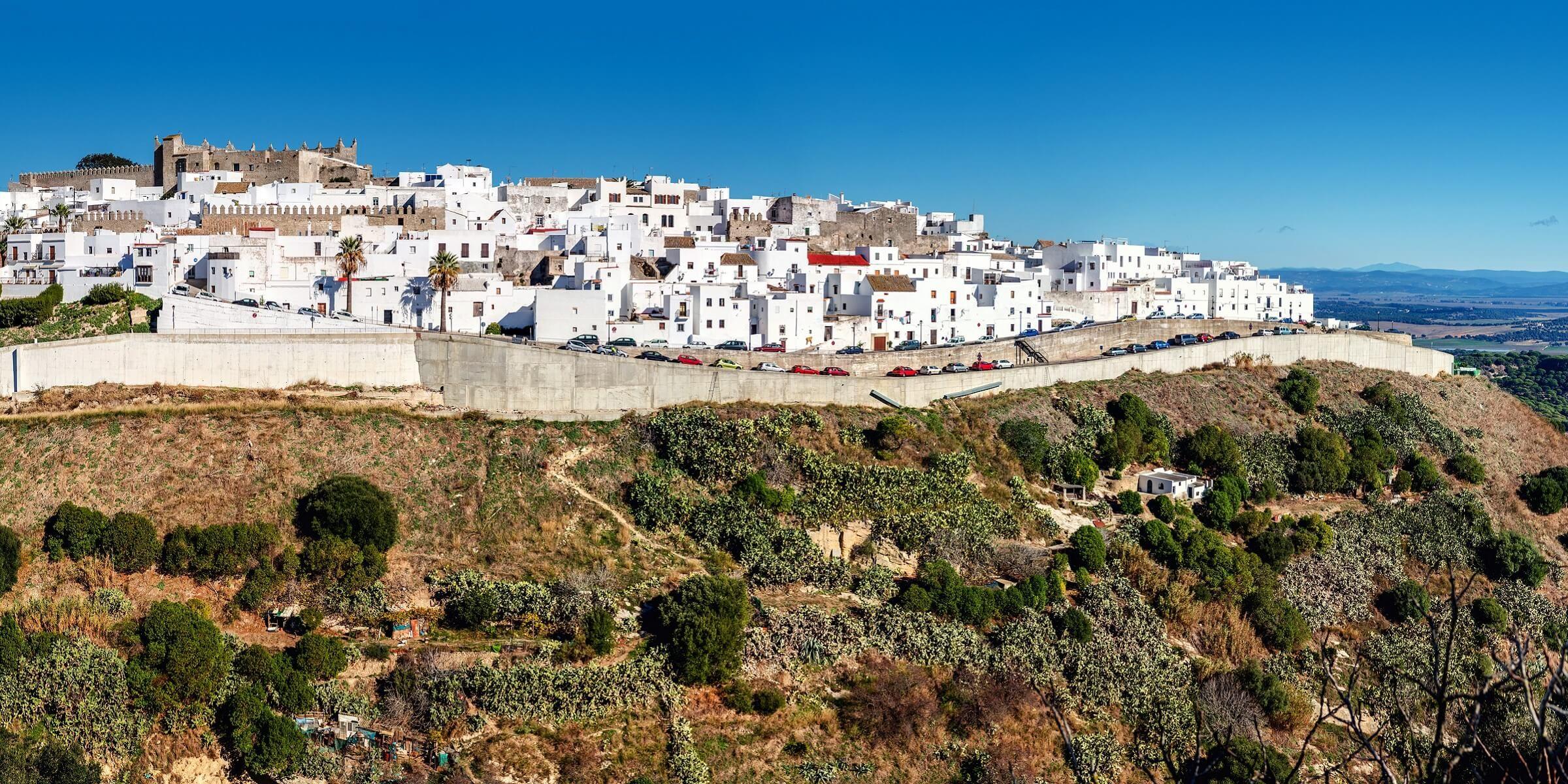 Die weißen Dörfer von Vejar de la Frontera in Andalusien sind einzigartig
