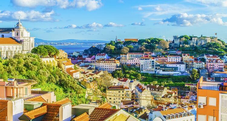 Lissabon, die Schöne am Tejo, umgibt derunwiderstehliche Charmevergangener Zeiten.