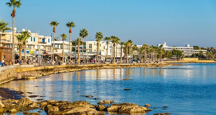 Im Hafen von Paphos können Sie in Ihrer Freizeit Kaffee trinken, bummeln oder machen auf was Sie Lust haben