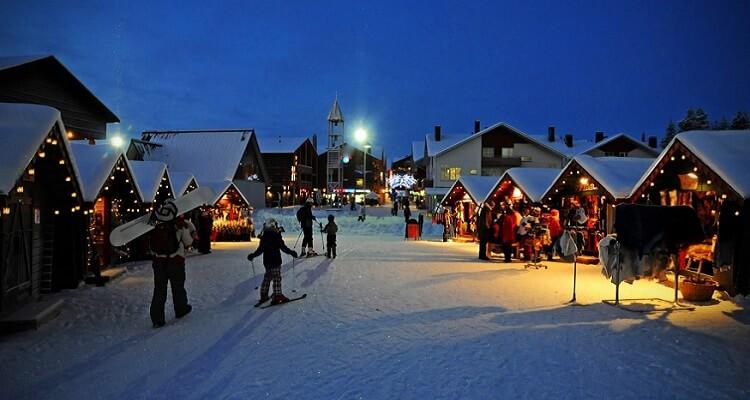 Single-Bummel auf einem Markt in Levi, Lappland