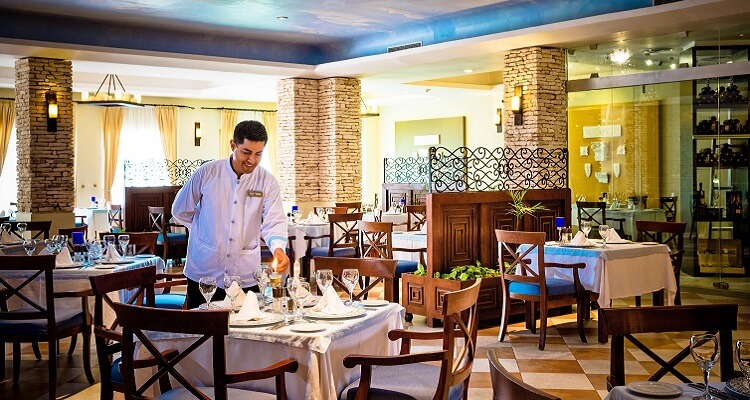 Kellner aus dem Valentin Hotel in Mexiko