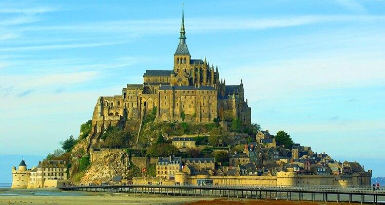 Damit Sie den Mont Saint Michel in der Normandie ganz in Ruhe betrachten können, haben wir uns bei dieser Singlereise etwas besonderes überlegt