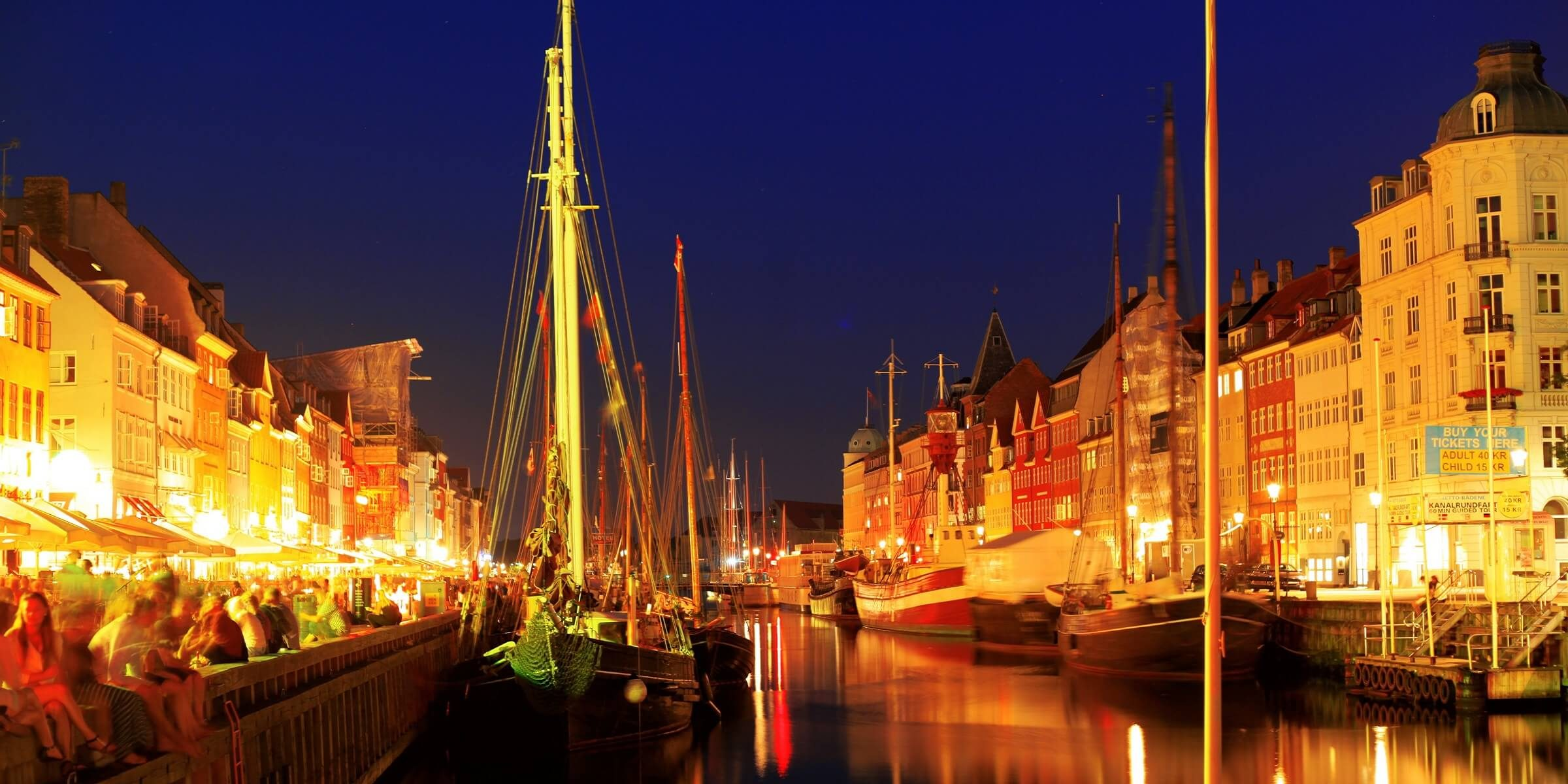 Genießen Sie den typisch dänischen Flair am Hafen in Kopenhagen