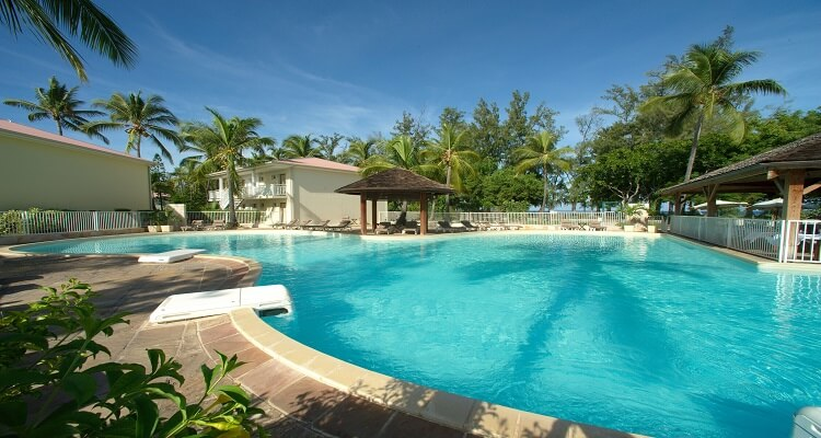 Der Pool des Hotel Le Recif