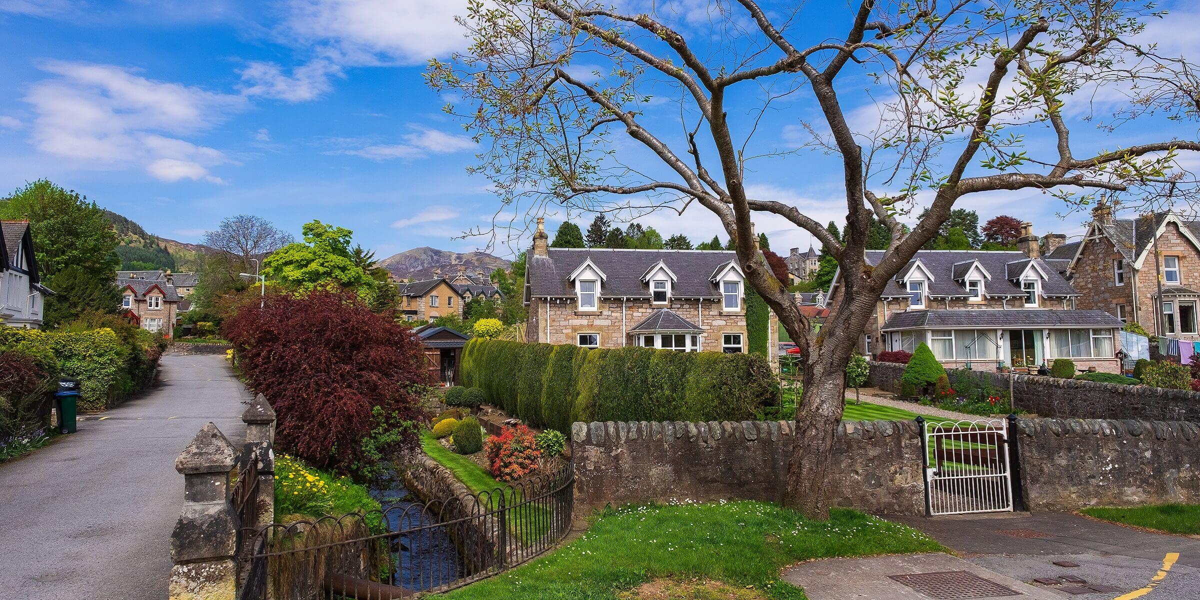 Pitlochry ist ein kleines Städtchen in Schottland, aber es ist wunderschön