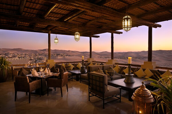 Suhail Restaurant im Qasr al Sarab Desert Hotel in den Vereinigten Arabischen Emiraten