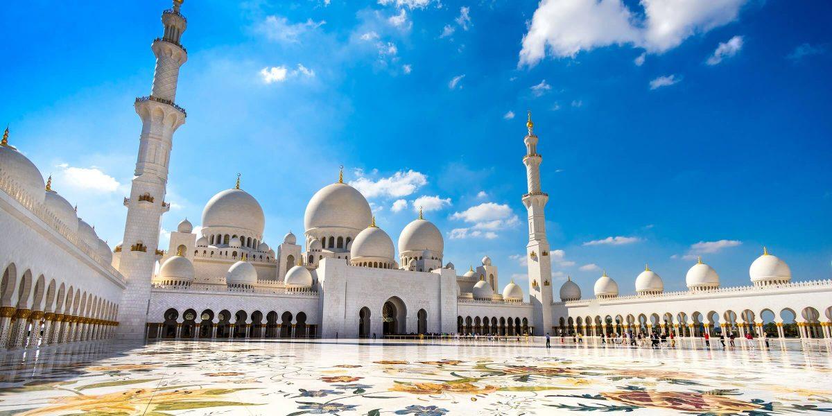 Die Scheich-Zayed-Moschee in Abu Dhabi