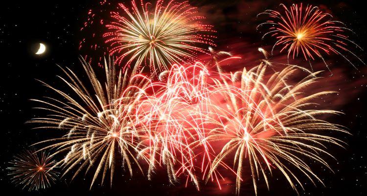 Feuerwerk in Bologna auf einer Singlereise