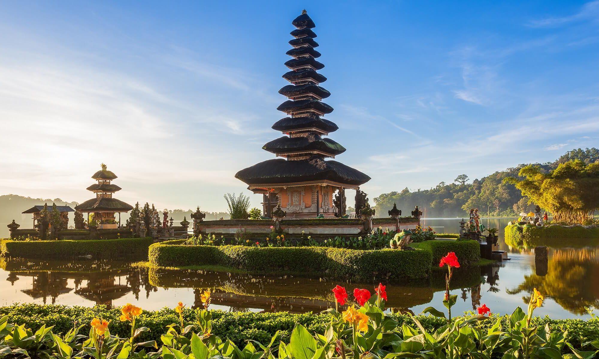 Ein typischer Tempel auf Bali bei adamare SingleReisen