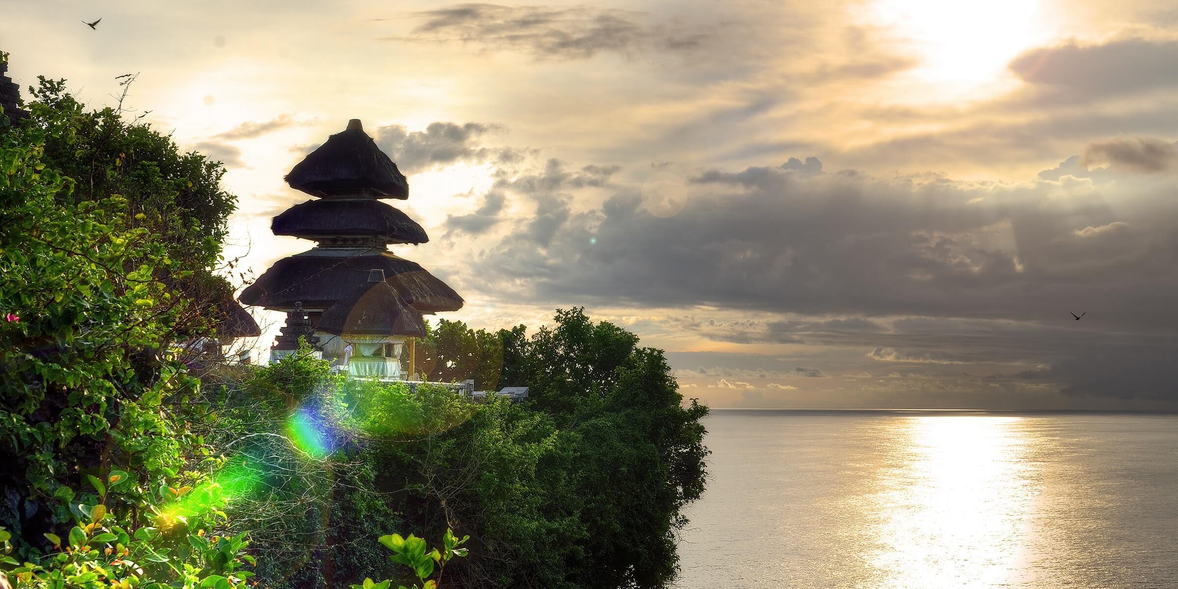 Der Uluwatu Tempel auf Bali bei adamare SingleReisen