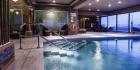 Pool des Hotels während der Singlereise auf Malta