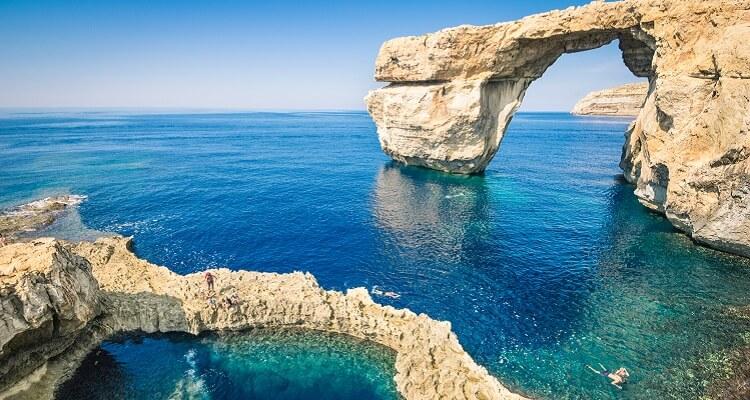 Adamare Singlereise auf Malta zu Silvester Küste