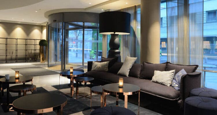Siglereise nach Bergen - Scandic Hotel - Lobby