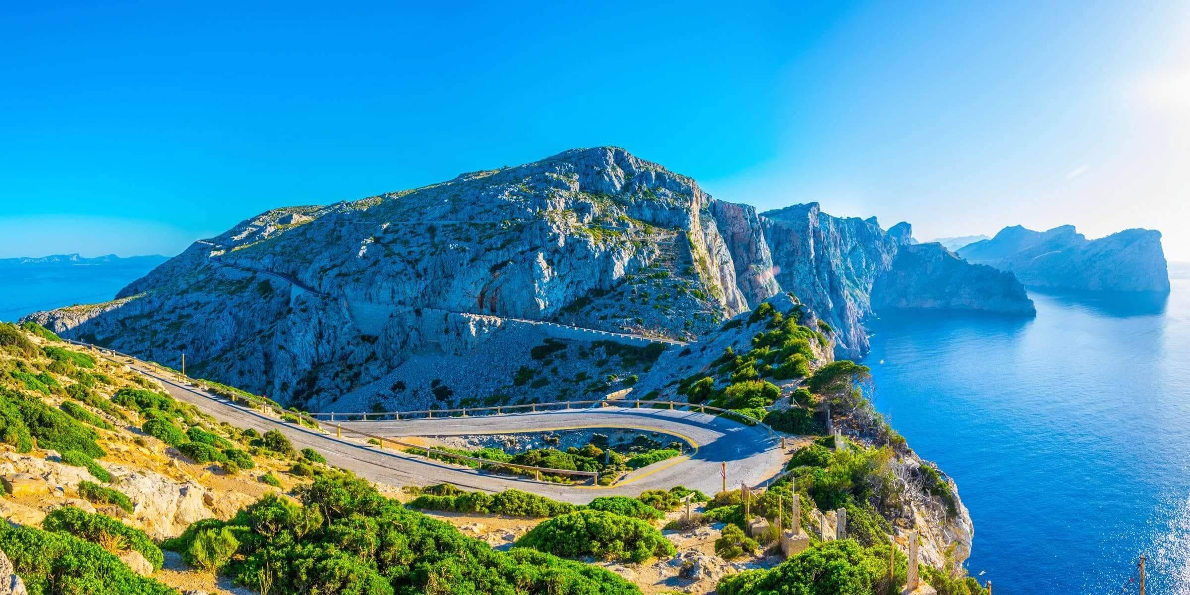 Singlereise nach Mallorca - Serpentinen auf der Küstenstraße
