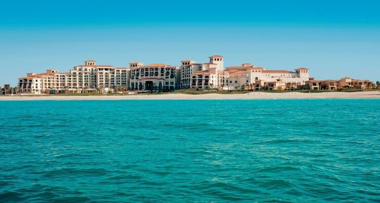 Singlereisen nach Abu Dhabi - The St. Regis Saadiyat Island Resort Ansicht vom Meer