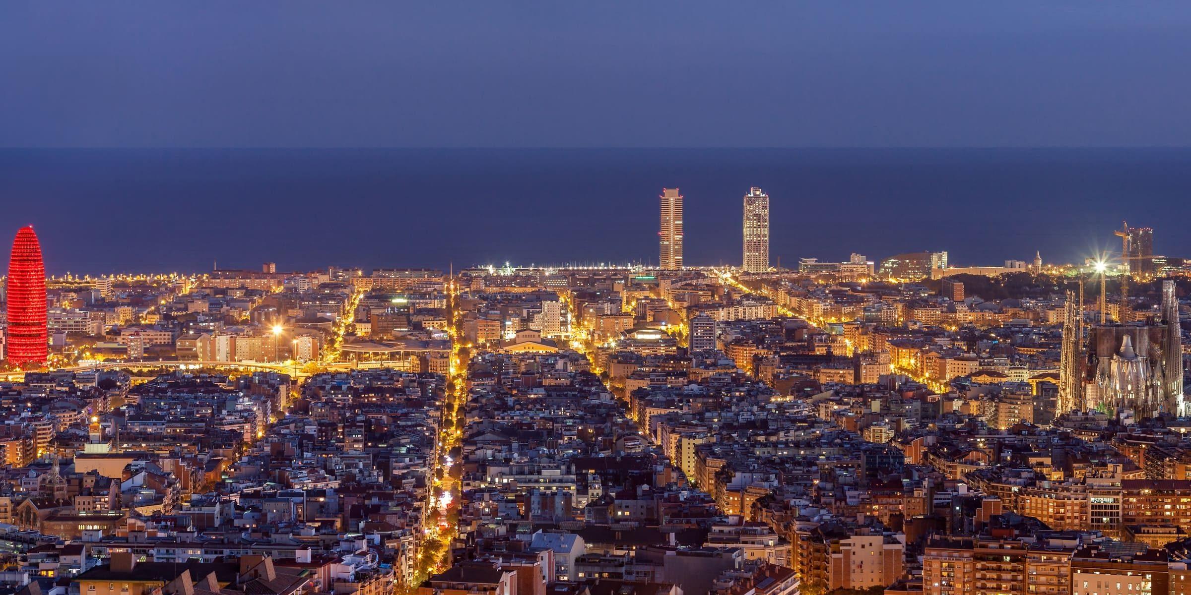 Singlereise nach Barcelona - Panorama bei Nacht