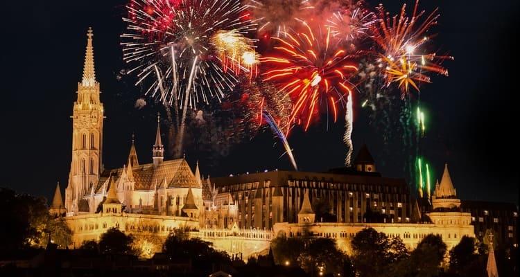 Singlereise nach Budapest - Feuerwerk am Burgberg
